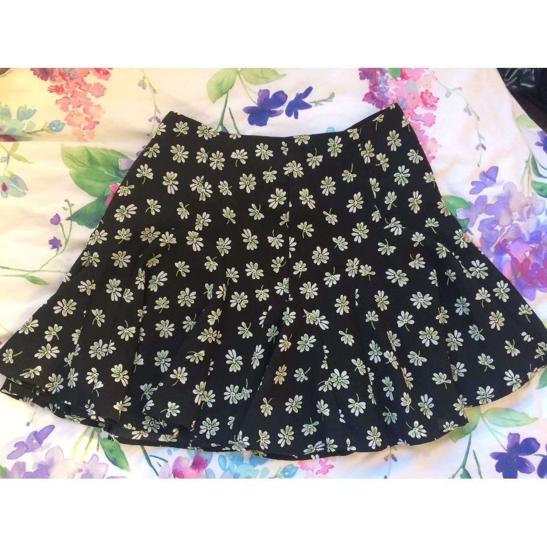High waist black floral skirt