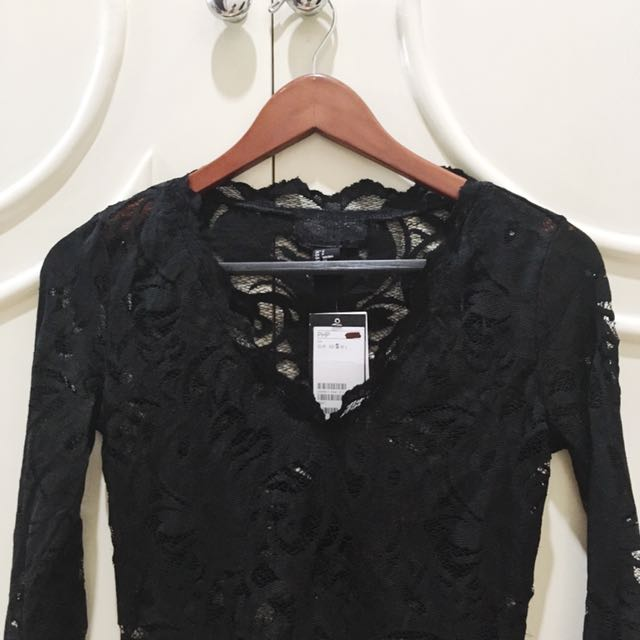 H&M Black Long Sleeve Lace Top