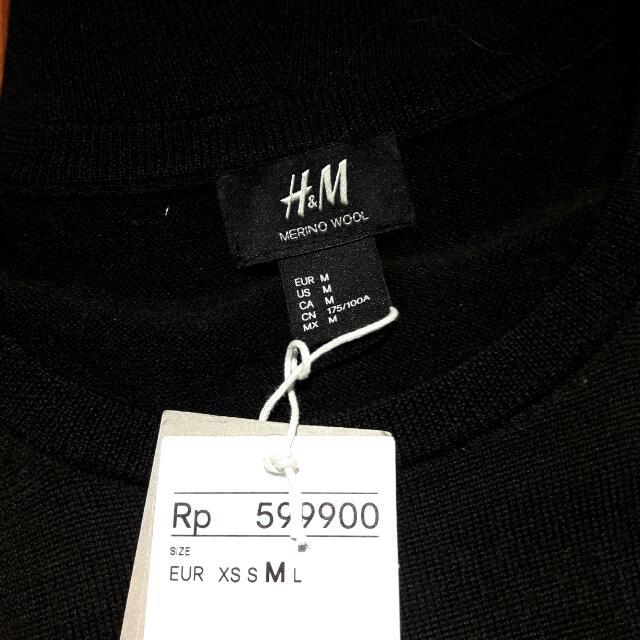 H&M Pure Merino Wool Black Sweater
