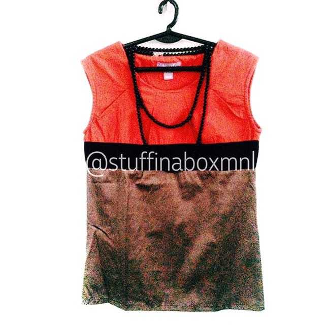Juana Red And Gray Sleeveless Top