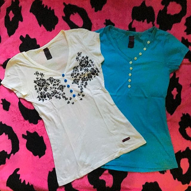 Take 2 LEE Tops for Php 85 ONLY!!