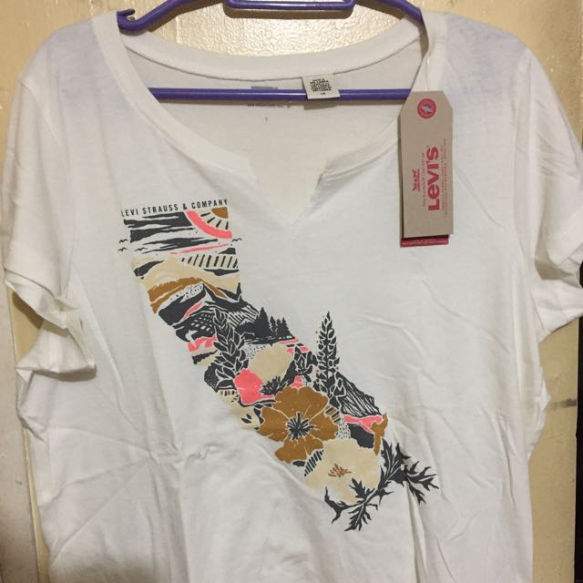 Levi's Tee (Brand New with Tag)