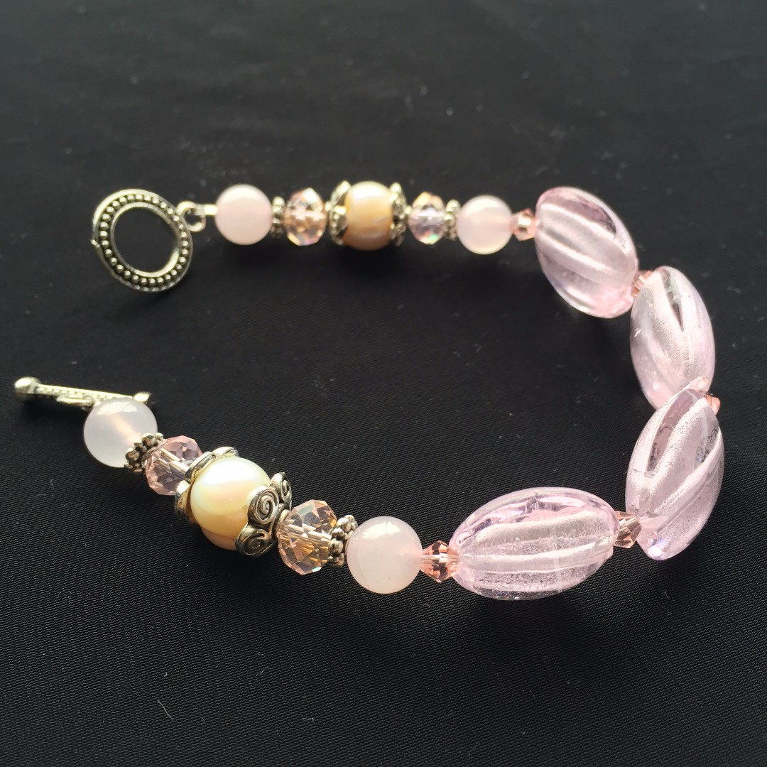 mixed beaded bracelet with lock