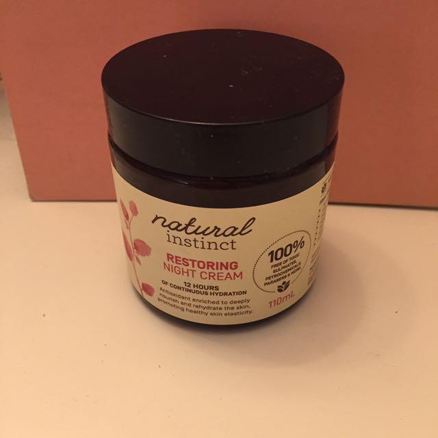 Natural Instinct Restoring Night Cream