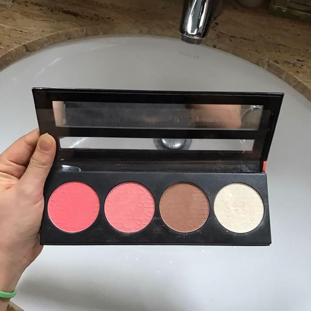Preloved ORIGINAL LAGIRL GLOW Blush Collection - blush On Pallete Set