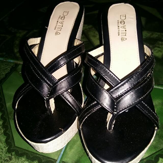 [Preloved]  Sandal Wedges Anyam Hitam
