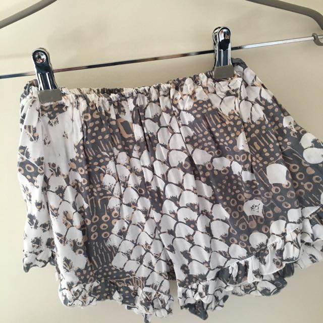 Scale Print Shorts