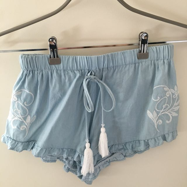 Shorts With White Detailing