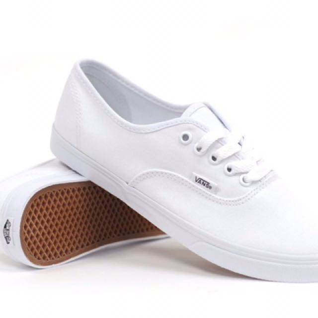 f0d811e8d4 Vans Authentic Lo Pro True White