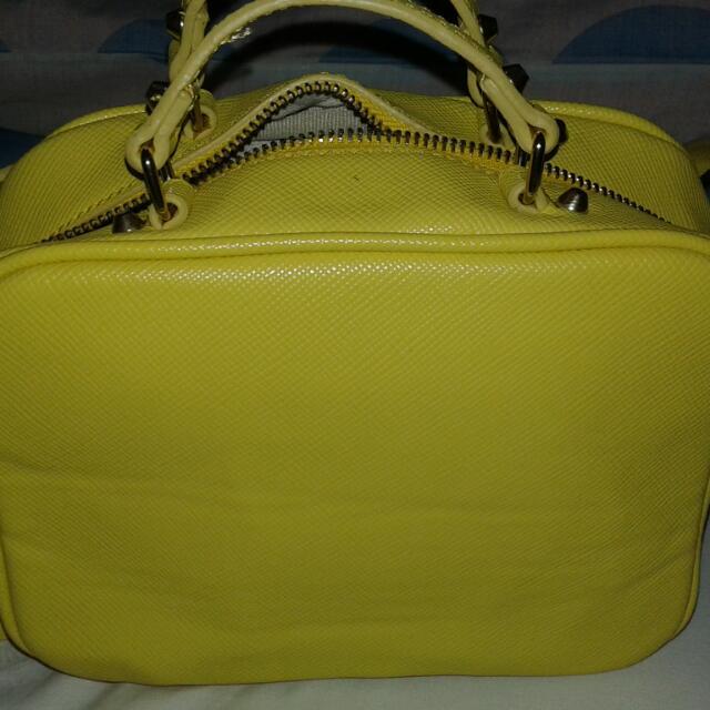 Zara Trafaluc (shoulder/sling Bag)  *used Only Twice *good As New *RFS di Kasi Ako Mahilig Sa Yellow 😂