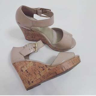 Payless Wedges Size 37