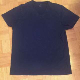 V-neck Men's T-shirt Size L