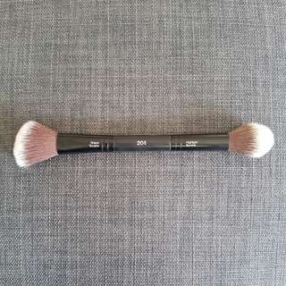 Sephora Collection Double Ended contour and highlight brush. Similar to Kat Von D shade and light brush