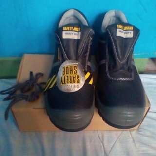 size 10 safety shoes Safety Jogger brand Original