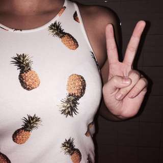 Aéropostale, Sleeveless Pineapple Crop Top 🍍💗
