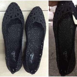 型格膠鞋($160/2對觀塘mtr交收)