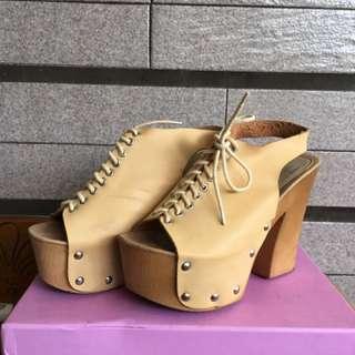 粗跟厚底跟鞋