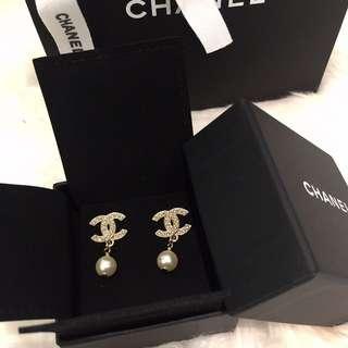 Chanel珍珠水鑽雙C耳環