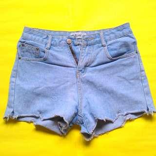 Short Shorts (Timi)