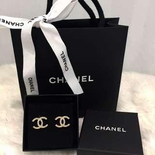 Chanel 經典雙C logo格紋耳環 (針式)