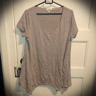 T-shirt, Crinkle With Alternating Lengths On Bottom. Size 10