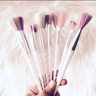 REPRICED!!!!! UNICORN BRUSH SET WITH FREE LIPPIE
