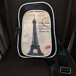皮革巴黎鐵塔 輕巧斜背包