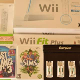 ORIGINAL NINTENDO WII CONSOLE (WHITE) HOMEBREW W. WIIFIT PLUS, GAMES, EXTRA CONTROLLER + BATTERY CHARGING STATION