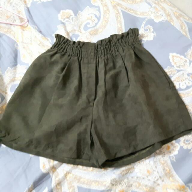 全新)墨綠色短褲