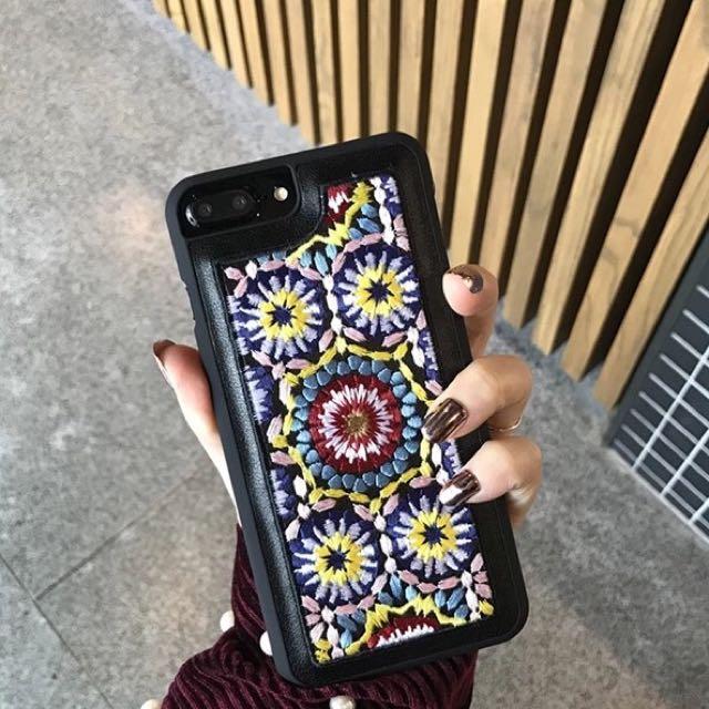 超質感手機殼 幾何花紋 刺繡手機殼 皮質保護殼 消光包邊 藝術花紋