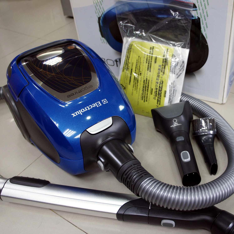 二手吸塵器 伊萊克斯 Electrolux 藍寶精靈吸塵器 EET530CB(ZUOM9922CB類台灣型號)
