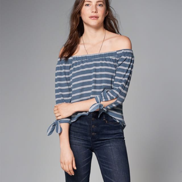 ABERCROMBIE OFF THE SHOULDER STRIPED TOP