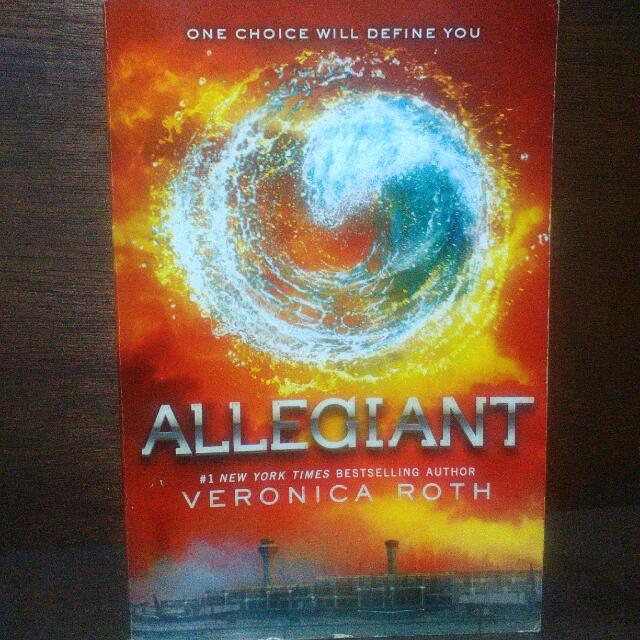 Repriced - Allegiant by Veronica Roth