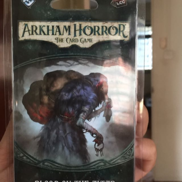 Arkham Horror: The card game LCG (Blood On The Altar)