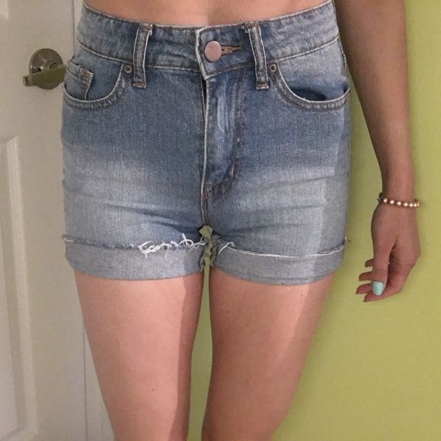 BDG High Waisted Jean Shorts Size 25