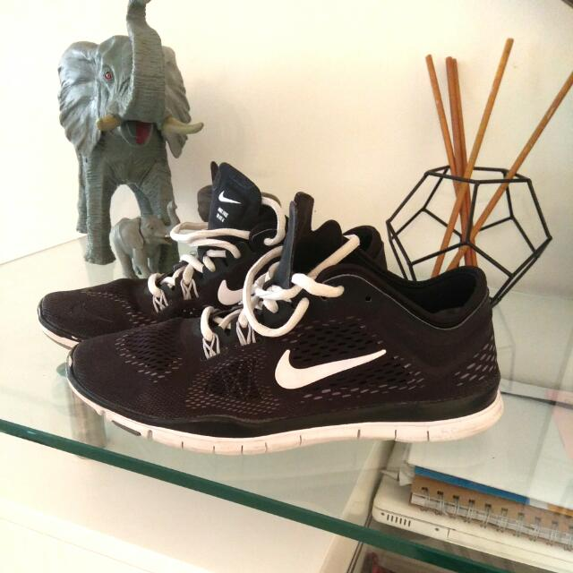 Black & White Nike's