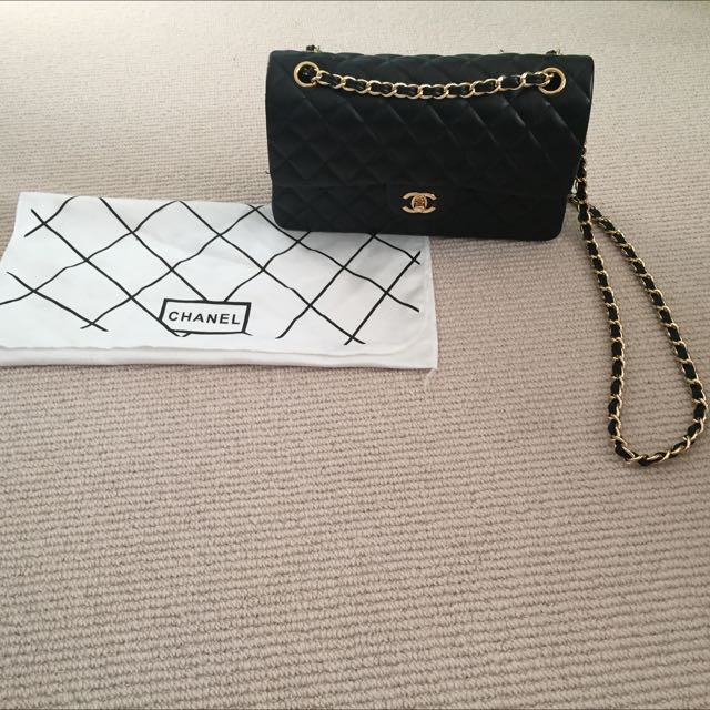 Chanel Black Quilted Lambskin - Medium Classic Double Flap Bag