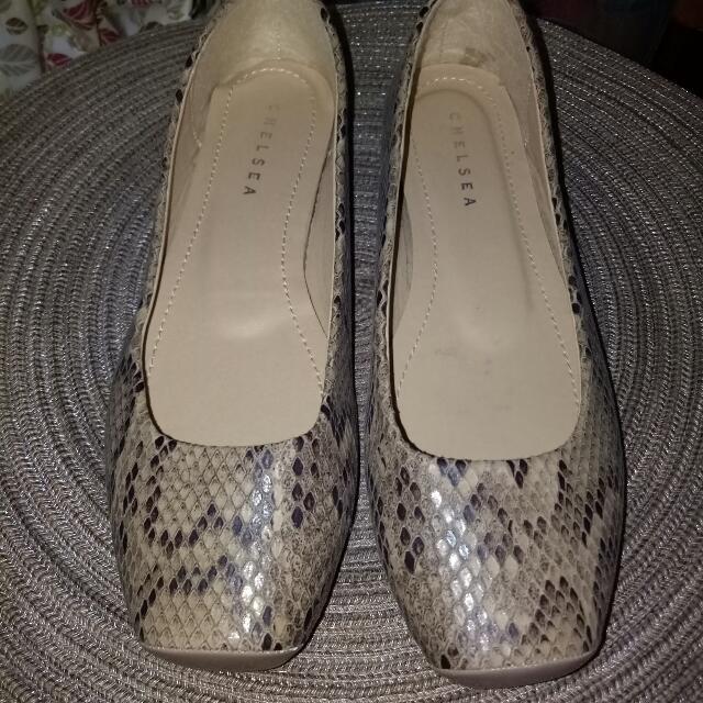 Repriced Chelsea Original Shoes (Brand new)