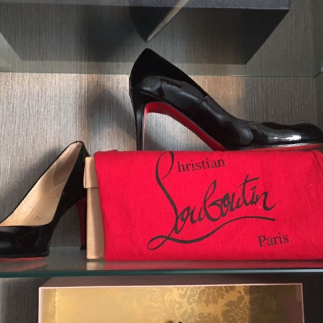 Christian Louboutin Simple pumps - A Timeless Classic