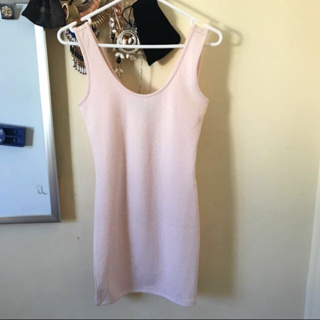 Forever 21 baby pink fitted dress