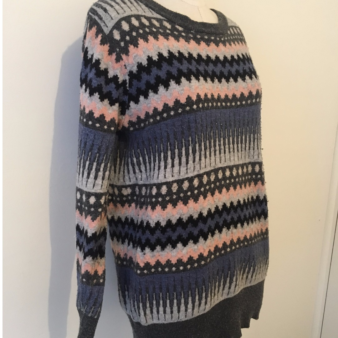 FUNKY SUPER WARM JUMPER! WELL LOVED, GOOD CONDITION