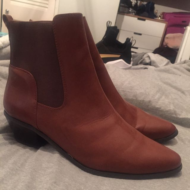 Glassons Size 9 Tan Ankle Boots