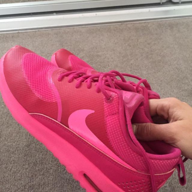Hot Pink Nike Theas