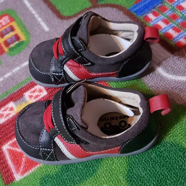 Like New) See Kai Run Toddler Shoes Size 6 1e6ee4654