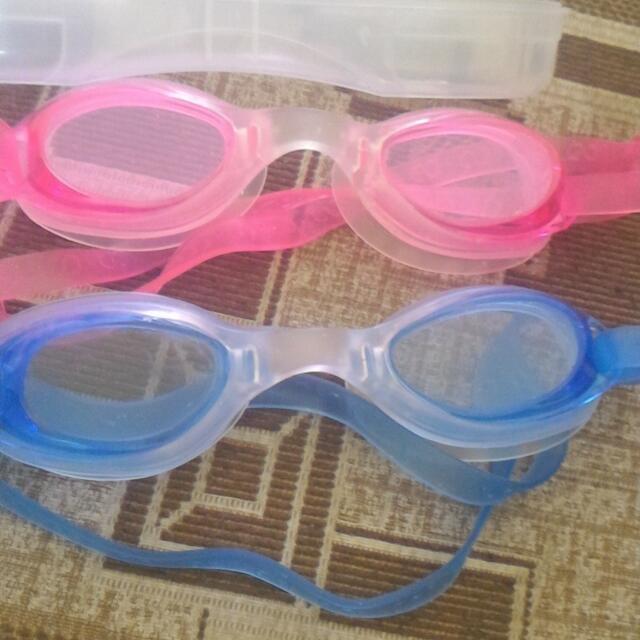 Snorkelling Mask buy 1 Take 1