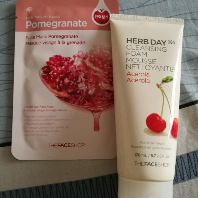 The FACE SHOP Cleansing Foam Acerola