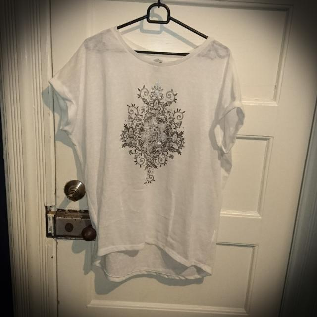 White T Shirt With Print Size L