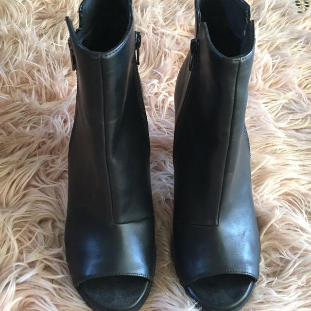 Zu boots / AU8