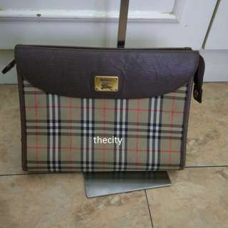 AUTHENTIC BURBERRY POUCH / CLUTCH BAG