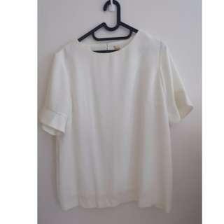Blouse putih - bell sleeve